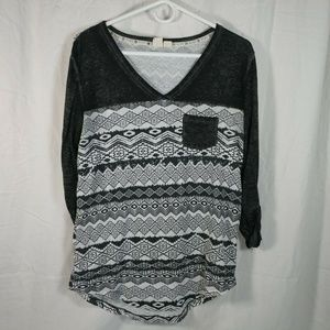 Roxy womens medium long sleeve burnout black white